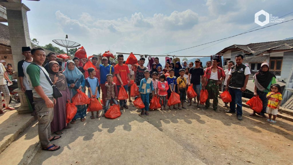 Indonesia - Distribution to the needy in Magelang, Central Java